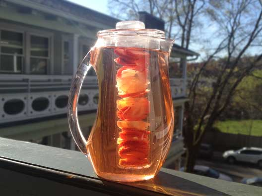 strawberry-lemon-infused-water