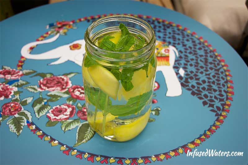 mango-mint-infused-water